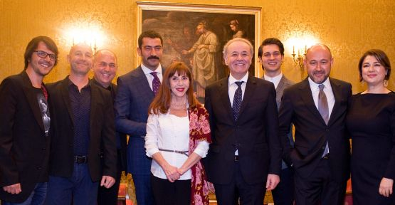 Hümeyra, Kenan İmirzalıoğlu, Çağatay Ulusoy, Mehmet Günsur, Ferzan Özpetek ve Çağan Irmak Roma'da buluştu!