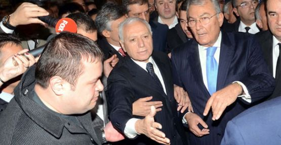 Mehmet Haberal'a annesinin cenazesinde kuşatma !