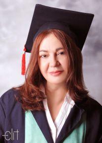 Nazan Öncel diplomasını gösterdi: Üniversiteyi bitirdik!