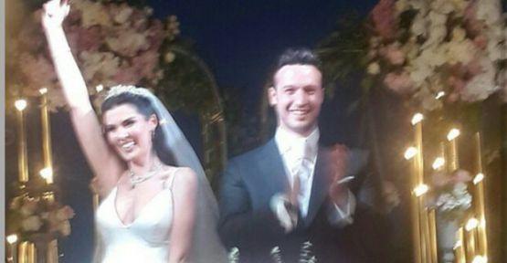 Oyuncu Hatice Şendil Burak Sağyaşar ile evlendi