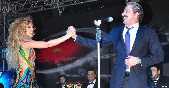Petek Dinçöz, Erkan Petekkaya ile düet yaptı!