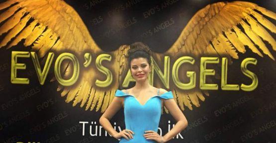 Pınar Yılmaz şıklığıyla göz doldurdu!