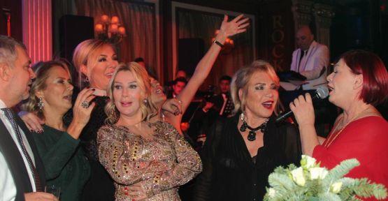 Seda Sayan'dan Kıbrıs'ta çifte kutlama