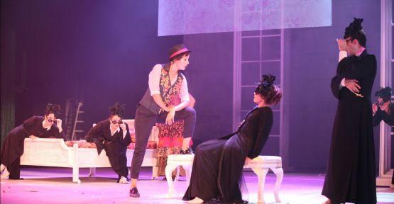 Şehir Tiyatroları Ocak ayında 2'si yeni 31 oyunla seyirciyle buluşuyor.