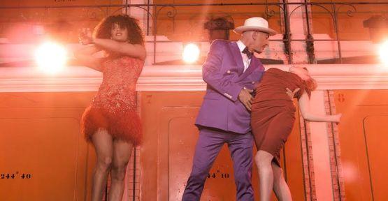 """Serhat Hacıpaşalıoğlu, """"Je M'adore""""  dünya müzik listelerini sallamaya devam ediyor!"""