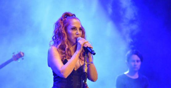 Sertap Erener'den Çeşme'de muhteşem konser!