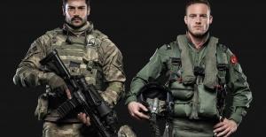 """Burak Özçivit ve Kerem Bursin """"Can Feda"""" da iki askeri oynadı"""
