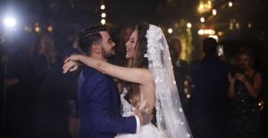 Rüzgar Erkoçlar ve Tuğba Beyazoğlu evlendi