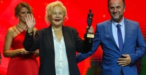 54. Uluslararası Antalya Film Festivali, görkemli bir törenle başladı
