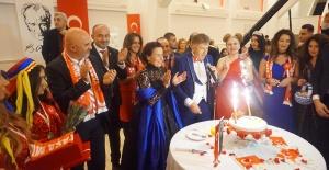 Hollanda'da Fatma Girik'e Onur Ödülü