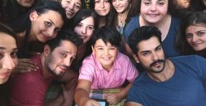 Murat Boz ve Burak Özçivit'ten selfie rekoru