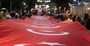 Kırklareli'nde binler 23 Nisan Çocuk Bayramı için yürüdü