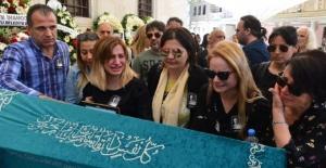 Duayen gazeteci Tahir Yaman son yolculuğuna uğurlandı
