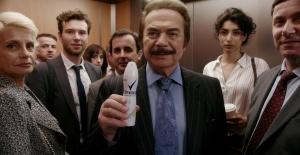 Orhan Gencebay, Burunların Selameti için asansöre bindi!
