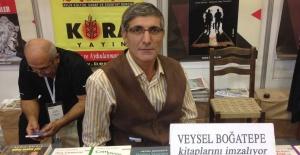 """""""Filozof Fahri"""" TÜYAP'ta kitaplarını  imzalayacak!"""