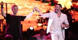 Cengiz Kurtoğlu ve Hakan Altun müzik ziyafeti çekti
