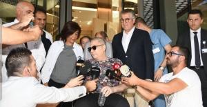 Mehmet Ali Erbil, gözyaşları içerisinde taburcu oldu