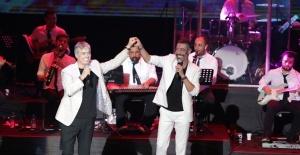 Cengiz Kurtoğlu ve Hakan Altun'dan muhteşem konser!