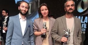 """""""Omar ve Biz"""" 'e Kemal Sunal Halk Jürisi Ödülü"""