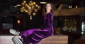 Yıldız Tilbe yeni şarkılarını You Tube'dan yayınlandı