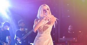 Gülşen 2020'nin ilk konserini İstanbul'da verdi.