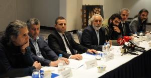 """""""İki Gözüm Ahmet"""" filminin yapımcıları mahkeme kararına tepki gösterdi"""