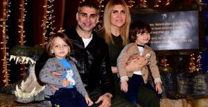 Doğuş karantinayı göze alarak Bakü'ye ailesinin yanına gitti