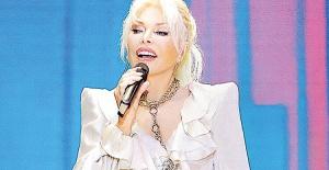 Süperstar'ın 'Dostum Dostum' performansı büyük beğeni topladı!