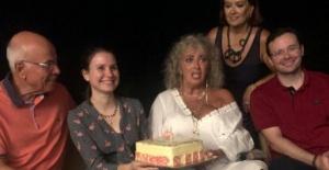 Söz Ar yeni yaşını ailece kutladı