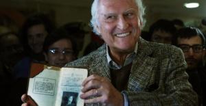 Yönetmen Fernando Solanas Koronavirüs'ten hayatını kaybetti