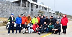 Porsche tutkunları Uludağ'da buluştu