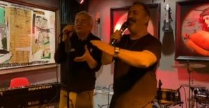 Cem Yılmaz ve Zafer Algöz'den 'Arabesk' Show