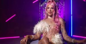 Kerimcan Durmaz 'Peşimde' klibinde Drag Queen oldu