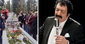 Müslüm Gürses'in 8. ölüm yıl dönümünde sevenleri mezarına akın etti