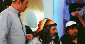 """Rasim Öztekin'in vefatı sanat dünyasını sarstı... """"Güle güle Bob Marley Faruk"""""""