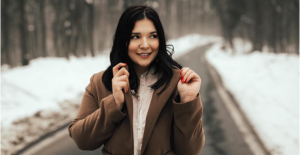 """Tuğçe Kandemir """"Al Ellerim Kırılaydı"""" videosuyla Youtube Music'te ilk 100'e girdi"""