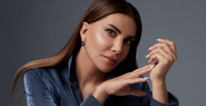 """Ebru Yaşar'dan estetik itirafı: """"Değişmeseydim şimdi yüzüme bakmazlardı"""""""