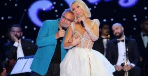 Seda Sayan ve Mehmet Ali Erbil sahnede barıştı