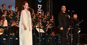 Haluk Levent ve Rus Kızıl Ordu Korosu Manavgat'ta Konser Verdi