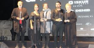 Metin Hara moda şovunda motivasyon konuşması yaptı