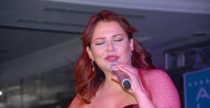 """Deniz Seki'den albüm öncesi single: """"Şükür Kavuşturana"""""""