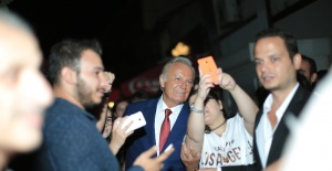 Kosova'da Ediz Hun'a Yaşam Boyu Onur Ödülü verildi