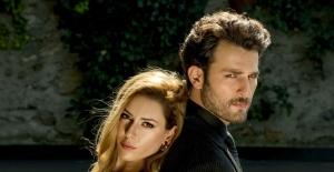"""Sinem Kobal ve Birkan Sokullu'nun oynadığı """"Yüz Yüze""""den ilk kareler!"""