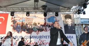 Bakırköy'de Haluk Levent coşkusu