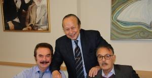 Yılmaz Ulusoy dost meclisinde ünlüleri ağırladı