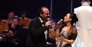 İpek Açar ve Hakan Aysev'den büyüleyici konser!