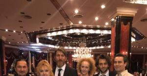 Kâmuran Akkor ve Onur Şenay'ın mekânı KATS Sahne ödüllendi!