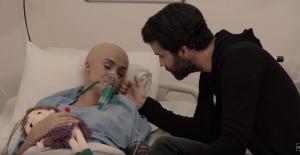 Tuğba Özay klibinde kanser hastasını canlandırdı!