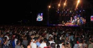 Diva'yı Alanya'da 30 bin kişi izledi