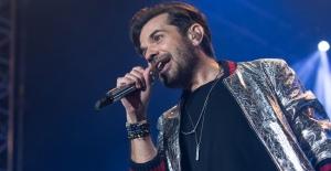 Kenan Doğulu, İstanbul Bilgi Üniversitesi'nde konser verdi